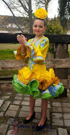 Colección niña 2015 - MODA FLAMENCA 2016, (Trajes Flamenca Granada, Venta de trajes de Flamenco, vestidos de gitana, vestido de sevillanas)