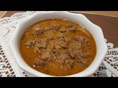 Beef Masala Curry / How to Make Beef Masala Curry Beef Masala, Masala Curry, Coriander, Cilantro, Cheeseburger Chowder, Stew, Cooking Recipes, Stuffed Peppers, Ethnic Recipes