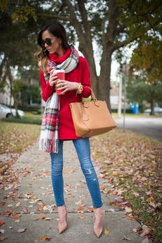 More Colors - More Fall / Winter Fashion Trends To Not Miss This Season. Fall Winter Outfits, Autumn Winter Fashion, Christmas Outfits, Look Fashion, Womens Fashion, Fall Fashion, Street Fashion, Fashion Trends, Carrie Bradshaw