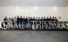 Game of Thrones cast pose at a screening of the season 8 premiere in Belfast. Game Of Thrones Show, Game Of Thrones Facts, Game Of Thrones Quotes, Game Of Thrones Funny, Got Memes, Hbo Series, Season 8, New Instagram, Zendaya