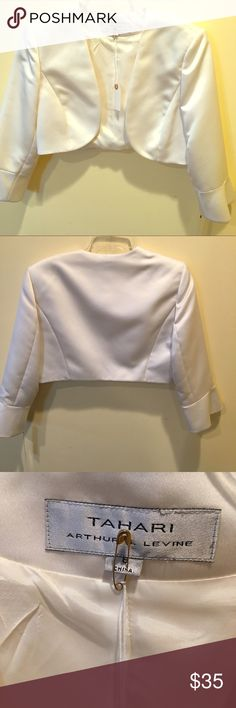 """Elie Tahari Long Sleeve Satin Evening Jacket Vintage Elie Tahari (Arthur Levine) Long sleeved Satin open front jacket 