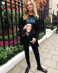 3ad1a8d6664 Spott - Chiara Ferragni wears a black printed T-shirt by Fedez