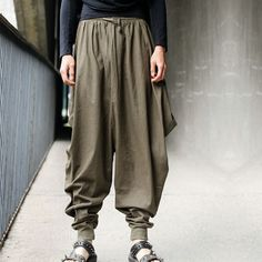 New Mens Japanese Samurai Style Boho Casual Loose Fit Harem Baggy Hakama Linen Pants. Style: fashionable low crotch harem hakama pants. Material: cotton linen blend. We have had over 5 years of trading/e-commerce experience.