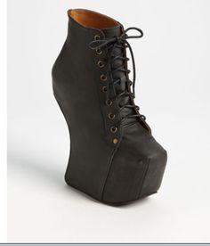 Distressed Black boot!!