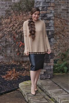"""Have you checked out our """"Last Chance"""" section? Our Leah top and many other items have been added ❤ Don't miss out! Cute Skirt Outfits, Cute Skirts, Modest Outfits, Classy Outfits, Curvy Girl Fashion, Modest Fashion, Love Fashion, Plus Size Fashion, Fashion Outfits"""