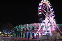 """Vivre """"la magie de Noël sous les étoiles"""" à Nîmes...  Lire notre témoignage : http://www.sortie-famille-gard.com/magie-de-noel-a-nimes/"""