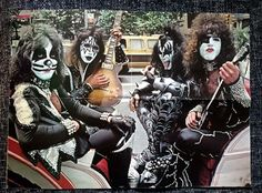 Every Day With Classic Rock & Heavy Metal & More. Pink Floyd, Heavy Metal, Eric Singer, Banda Kiss, Kiss Members, Vinnie Vincent, Eric Carr, Kiss Pictures, Kiss Images