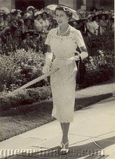 Amazing glamour shot... 1953...Queen Elizabeth