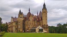 Fairytale Castle, Czech Republic, National Geographic, Barcelona Cathedral, Siena, Disneyland, Fairy Tales, Travel Tips, Mansions