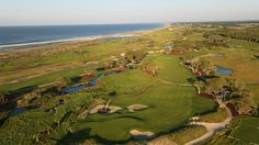 Our editors' selections for the best golf resorts in the Carolinas.