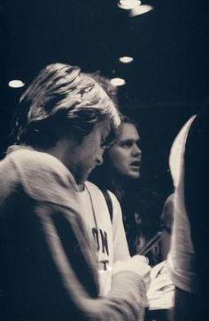 1993,Kurt signing autographs ❤️❤️