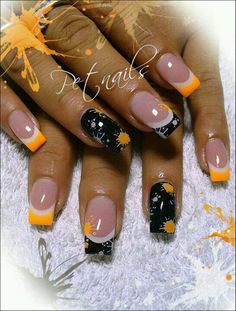 Halloween nail art - 45 Cool Halloween Nail Art Ideas How to accessorize your look Go to slimmingbodyshape. for plus size shapewear and bras Orange Nail Art, Orange Nails, Black Nails, Halloween Nail Designs, Halloween Nail Art, Spooky Halloween, Halloween Ideas, Women Halloween, Happy Halloween