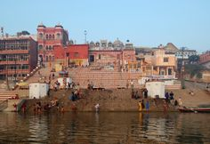 Kedar Ghat is one of the famous #ghat in #Varanasi. No other ghats in Varanasi will present you with a more captivating view of sunrise and  sunset as Kedar Ghat. This ghat is the most #picturesque ghat among all other ghats and undoubtedly the most photographed as well. #photography #travel #attractions