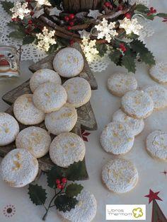 Mantecados de Almendra con Thermomix Pasta Casera, Mantecaditos, Stepping Stones, Cookies, Table Decorations, Cake, Sweet, Outdoor Decor, Desserts