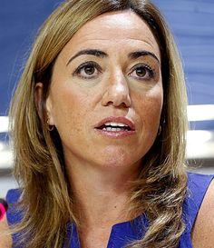 † Carmen Chacón (46) 09-04-2017 Carmen Chacón, de eerste vrouwelijke minister van Defensie van Spanje, is zondag overleden op 46-jarige leeftijd. Chacón was lid van de socialistische partij SPC. Ze was minister van Defensie tussen 2008 en 2011 onder premier Zapatero, daarvoor was ze al minister van Volkshuisvesting. https://youtu.be/d-g3bAZCh5s
