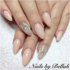 34 Idee per le unghie Colori Estate 2018 Dip - white nails - Classy Nails, Trendy Nails, Hair And Nails, My Nails, Gel Set, Queen Nails, Almond Shape Nails, Dipped Nails, Nagel Gel