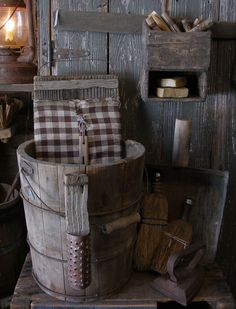 Gorgeous Primitive Laundry Room 50 Best Design And Decor Ideas 017 homes front porches primitive homes homes sign homes farmhouse homes plans Primitive Homes, Primitive Laundry Rooms, Primitive Bathrooms, Primitive Kitchen, Country Primitive, Prim Decor, Country Decor, Rustic Decor, Farmhouse Decor