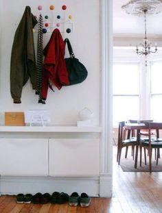 IKEA+Trones+schoenenkast als opbergruimte onder de kapstok