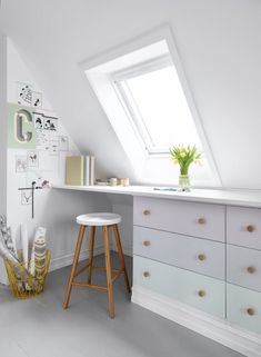 5 Prosperous Clever Ideas: Attic Ideas Floor attic apartment tips.Attic Vintage Home attic design. Attic Bedroom Small, Attic Bedroom Designs, Attic Bedrooms, Attic Playroom, Attic Design, Attic Bathroom, Attic Spaces, Interior Design, Attic Library