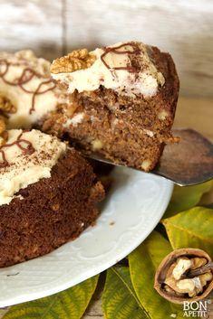 Heerlijke herfsttaart met walnoten en koffie! - bonapetit foodblog Pie Cake, No Bake Cake, Dutch Bakery, Pumpkin Pound Cake, Cake Recept, Baking Recipes, Dessert Recipes, Baking Bad, Christmas Food Treats