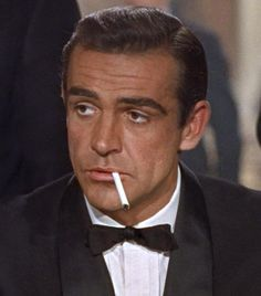Sean Connery wore a toupee in all his James Bond movies. Estilo James Bond, James Bond Style, Alexandre Le Bienheureux, Sean Connory, Sean Connery James Bond, James Bond Actors, James Bond Movies, Gentlemans Club, Actrices Hollywood