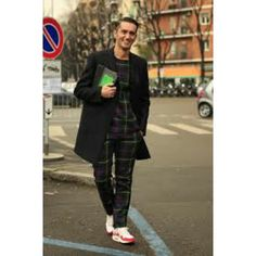 Tartan can be very stylish for street style and fashion #fashionblogger #mensfashion #menstyle #Blackpelicanapparel #streetstyle #streetfashion