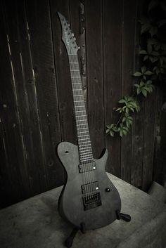 Black Electric Guitar, Custom Electric Guitars, Custom Guitars, Bass Ukulele, Bass Guitars, Famous Guitars, Guitar Photos, Guitar Design, Aesthetic Grunge