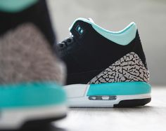 Girls Air Jordan III- Black & Mint