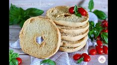 FRESE O FRISELLE FATTE IN CASA Bagel, Biscotti, Camembert Cheese, Bread, Food, Home, Kitchens, Drinks, Brot