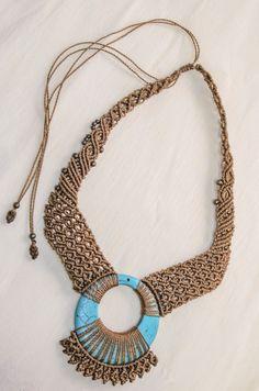 collar artesanal bohemio boho hippie de macrame con piedra