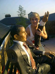 @Niall Dunican Horan what did you do to the president! Oh Niall.....you are awesome lol
