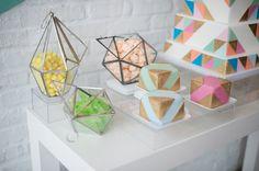 Modern geometric wed