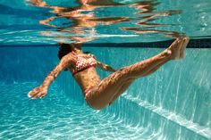 The Aqua Teaser sculpts shoulders, arms and abs in a fun pool #workout