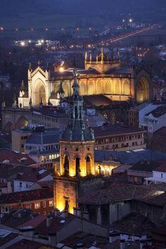 Vitoria-Gasteiz de noche, Euskadi, Basque Country