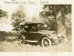 Vintage Photo Model T Under Tree Decoration Day 1922 AP100159