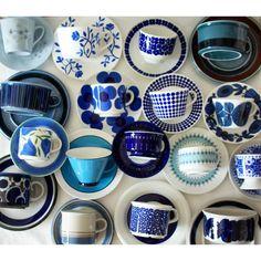 AkaneさんはInstagramを利用しています:「ブルーのカップ&ソーサーを集めてみました。 立秋を過ぎて若干暑さが和らいできた気がします。 それでもまだ暑いですが。^^; #ARABIA #Gustavsberg #Rorstrand #アラビア #グスタフスベリ #ロールストランド #北欧 #北欧食器 #北欧ヴィンテージ…」 Pottery Painting, Ceramic Painting, Ceramic Art, Marimekko, Vintage Plates, Vintage Items, Diva Nails, Turquoise And Purple, Coffee Gifts