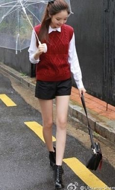 Ulzzang fashion.... it's cute and office looking but Korean girl is so sweet!