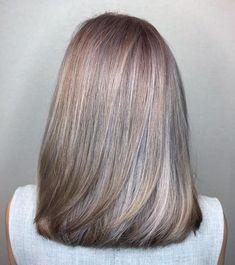 Silver Hair Highlights, Brown Hair Balayage, White Highlights, Highlights For Greying Hair, Grey Hair Lowlights, Medium Hair Styles, Natural Hair Styles, Short Hair Styles, Grey Hair Wig