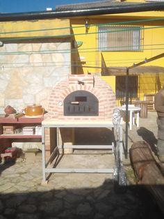 Horno de leña de Pereruela. Horno de barro con acabado en ladrillo vendido en la FERIA DE SICAB 2015 Sevilla.