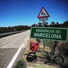 #Repost @valeriasbikeaccessories #Brompton # #bromptontouring #sitges #vilafrancadelpenedes #valeriasbarcelona #valeriasbikeaccessoriescom #trigogear #trigosmartmount #trigobromptonedition #monkiiadaptorforbrompton #monkiicage #etidecrank #duopower #jkrims #valeriasbagsforbrompton #bikegangminimods #paloaltomarketbarcelona