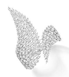 La manchette Swan de Messika en diamants