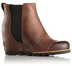 Sorel Lea Wedge Boots Size: 7.5 Color: Umber