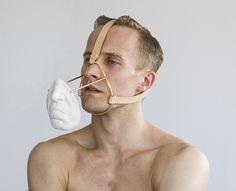 Esculturas que oscilan entre la moda y el arte del cuerpo: Daniel Ramos Obregón