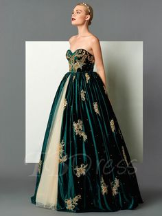 Cheap dress national, Buy Quality gowns formal dresses directly from China dress ice Suppliers: Stunning Emerald green Evening Dresses Gowns elegant lady ball gown for formal party muslim kaftan Dubai evening dresses Elegant Dresses, Pretty Dresses, Sexy Dresses, Fashion Dresses, Prom Dresses, Formal Dresses, Designer Evening Dresses, Evening Gowns, Green Evening Dress