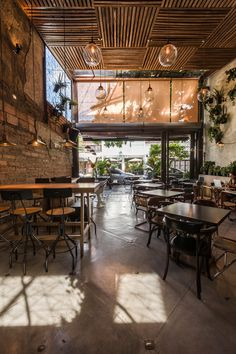 ideas exterior furniture restaurant interiors for 2019 Cafe Restaurant, Rustic Restaurant Interior, Restaurant Vintage, Decoration Restaurant, Restaurant Furniture, Industrial Restaurant Design, Restaurant Interiors, Restaurant Ideas, Coffee Shop Design