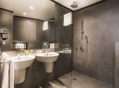 Junior Suites Bathroom
