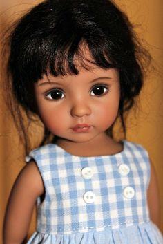 Tanned Little Darling sculpt Handpainted by Lana Dobbs.my little Spanish girl. Beautiful Barbie Dolls, Pretty Dolls, Cute Dolls, Reborn Dolls, Bjd Dolls, Girl Dolls, Doll Face Paint, Fairy Figurines, Real Doll