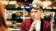 dailypopgifs:  Kate McKinnon asJillian Holtzmann in Ghostbusters (2016)