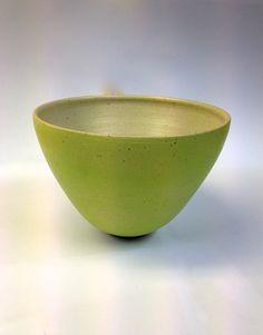 Mintgrøn stentøjsskål af Ole Jessen