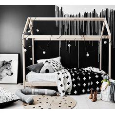 Mia's bed